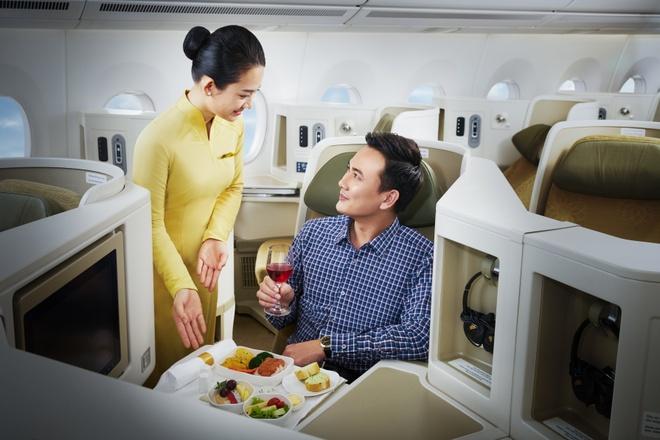 Vietnam Airlines nhan giai hang hang khong 4 sao toan cau hinh anh