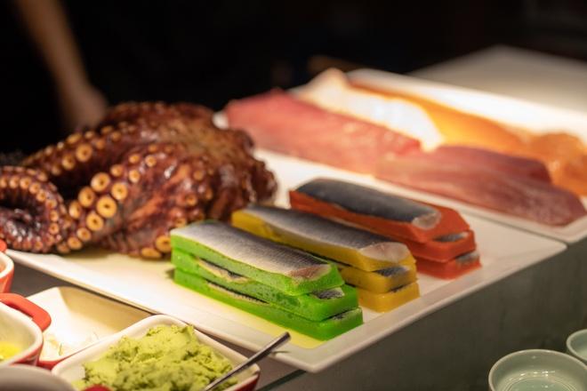 Thuong thuc buffet trong khong gian xanh giua long Sai Gon hinh anh