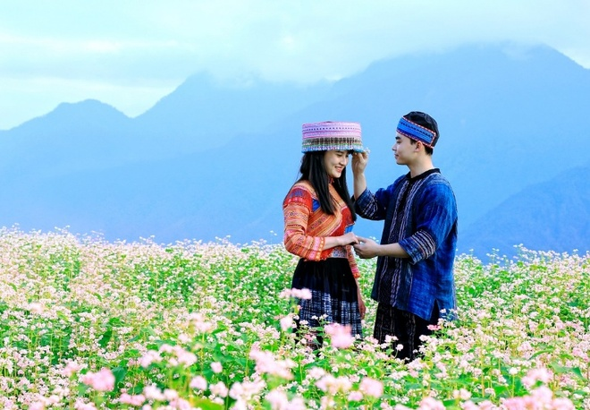 'Thanh pho tren may' Sun World Fansipan Legend chuyen mau qua 4 mua hinh anh