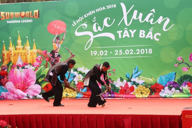 'Thanh pho tren may' Sun World Fansipan Legend chuyen mau qua 4 mua hinh anh 9