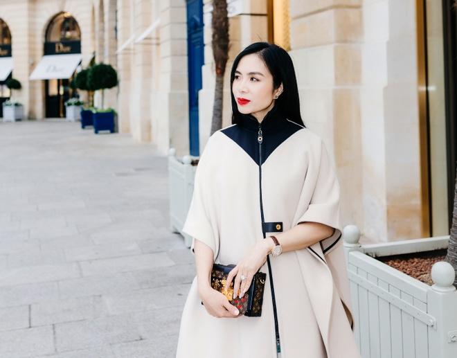 CEO Elise duoc Louis Vuitton moi du show xuan he hinh anh