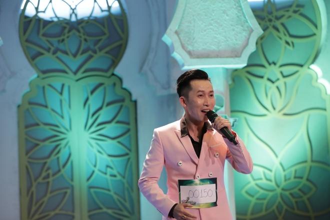 HLV Ha Ho va Mr. Dam an tuong voi thi sinh Huda Central's Top Talent hinh anh