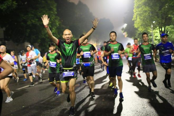 Giai marathon Quoc te Di san Ha Noi anh 2