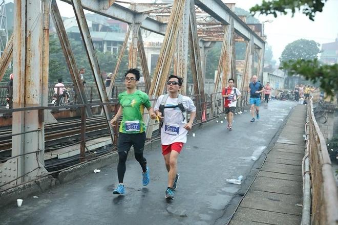 Giai marathon Quoc te Di san Ha Noi anh 7
