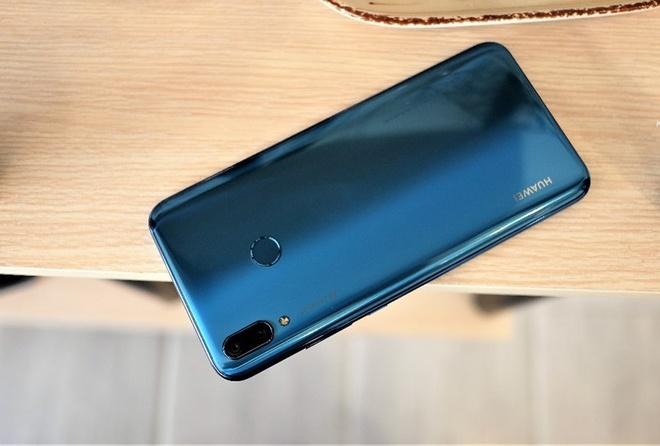 3 smartphone tam trung dang chu y cua Huawei hinh anh