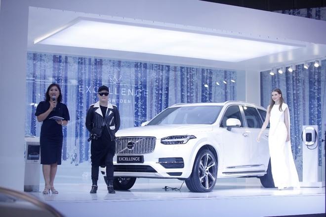 NTK Do Manh Cuong hung thu voi chiec 'chuyen co mat dat' cua Volvo hinh anh