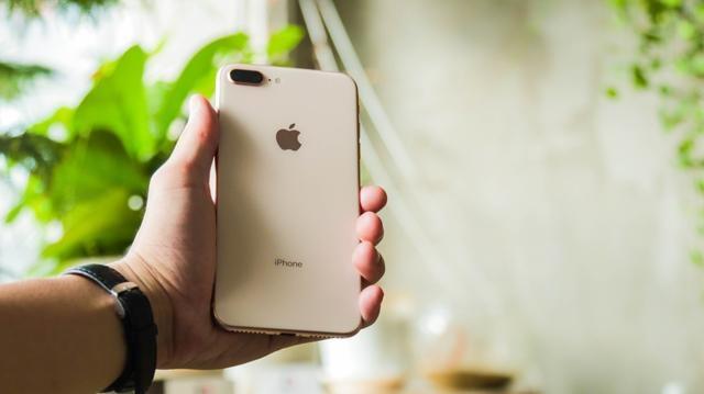 So huu iPhone 7 Plus, X va XS Max re gan nua gia tai Di Dong Viet hinh anh 2