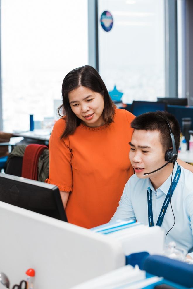 Giam doc KD VietnamWorks: 'Sales khong phai nghe di xin, ma la di cho' hinh anh 10