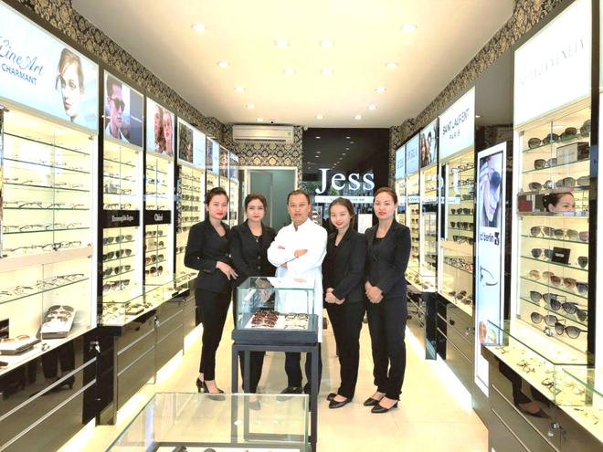 Mua mot tang mot tai Jess Luxury Eyewear 311 Giang Vo hinh anh 2