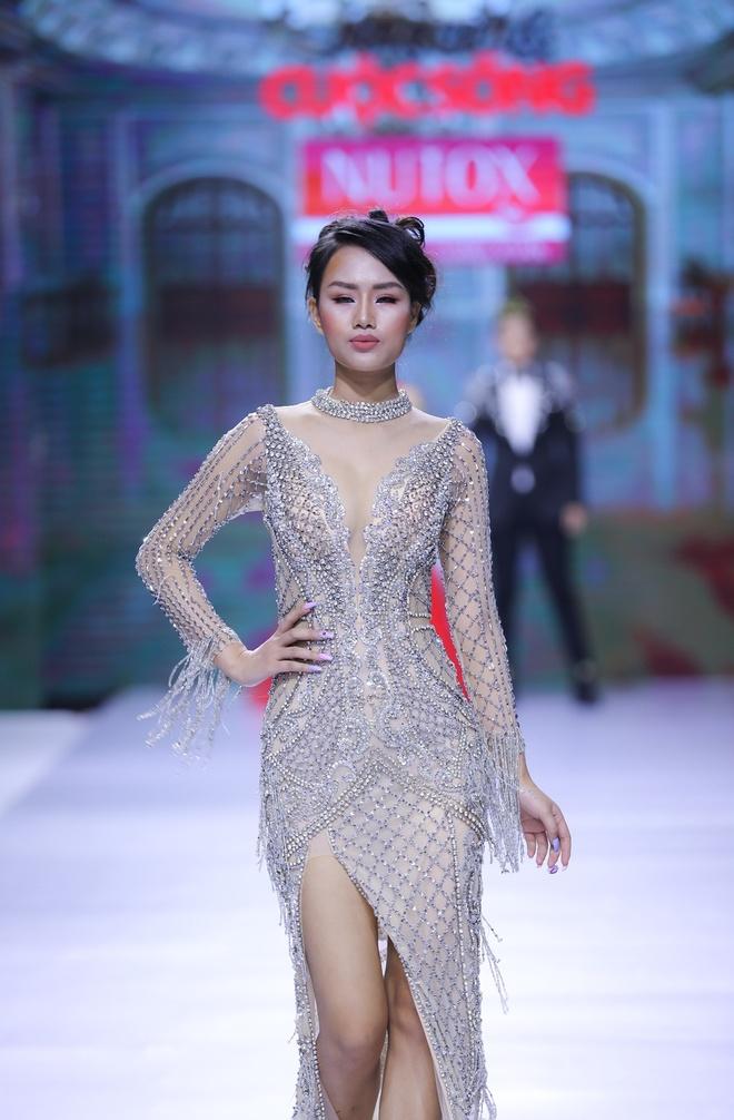 Vo Hoang Yen toa sang voi dam da hoi cua NTK Mai Phuong Trang hinh anh 6
