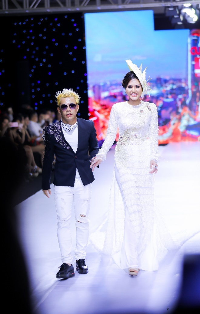 Hoa hau Dy Kha Han 'thoi hon' vao BST cua NTK Ta Linh Nhan hinh anh 7
