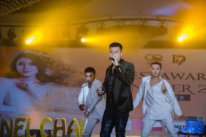 Cong ty Chanel Chau to chuc tiec tri an khach hang hinh anh 7