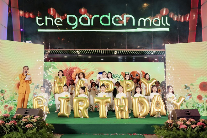 The Garden Mall nao nhiet don chao sinh nhat mot tuoi hinh anh