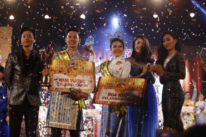 Thanh Nga tỏa sáng với ngôi vị cao nhất tại cuộc thi Nét đẹp sinh viên TP.HCM 2018.