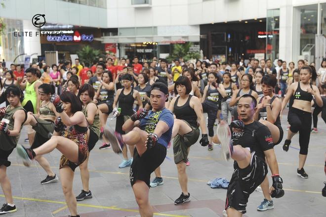 Elite Fitness to chuc hoi thao ket hop am nhac ngoai troi hinh anh 2