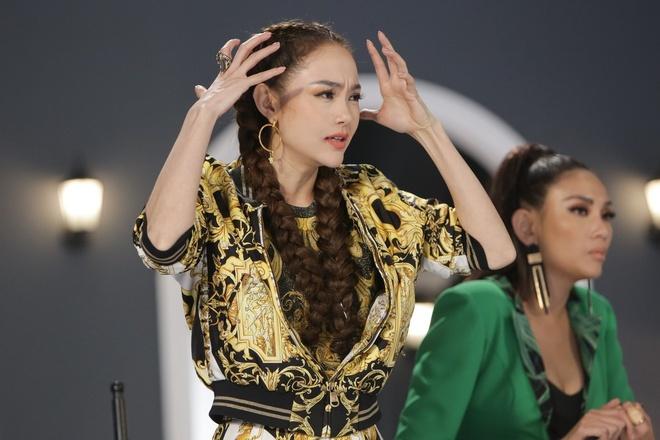Giam khao khach moi bat loi thi sinh va HLV trong tap 6 The Face hinh anh 4