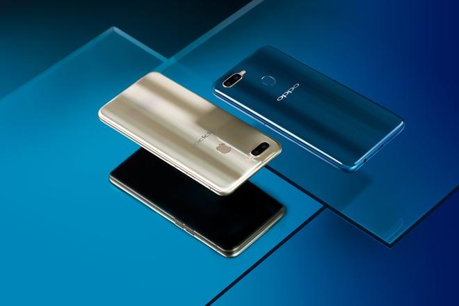 Smartphone Oppo A7 gia duoi 6 trieu, len ke thang 11 hinh anh