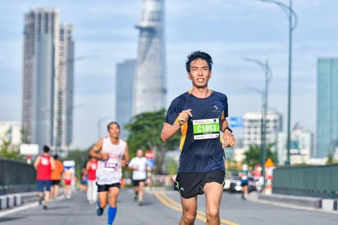 Giai Marathon Quoc te TP.HCM Techcombank mo them duong chay 5 km hinh anh