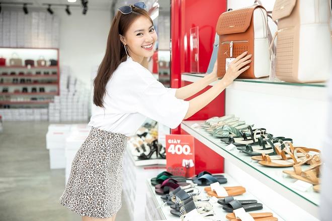 Huong Giang, Ninh Duong Lan Ngoc ru nhau di mua sam ngay Black Friday hinh anh