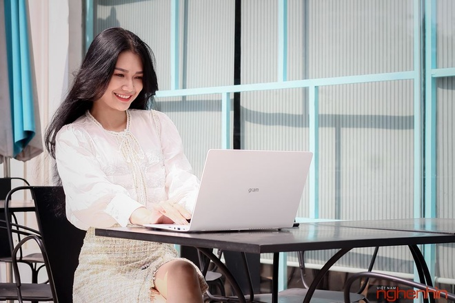 Nỗi khổ muôn thuở của dân văn phòng khi dùng laptop