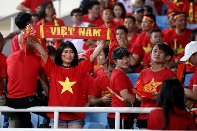 Viet Nam 2 - 0 Malaysia: Chien thang cua loi choi phong ngu chu dong hinh anh 1