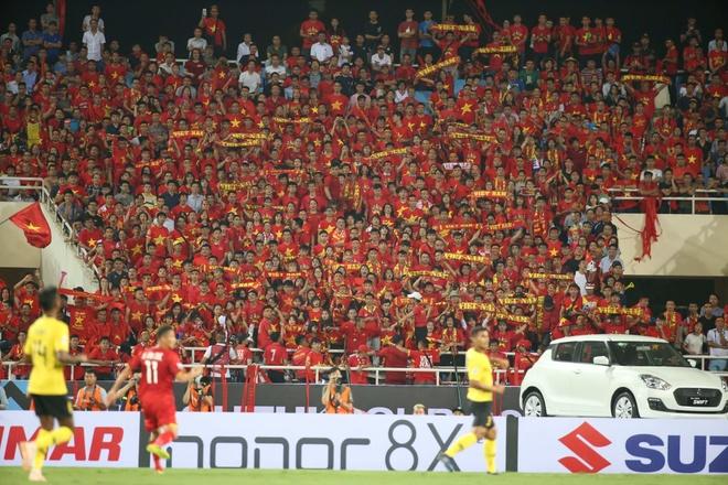 Viet Nam 2 - 0 Malaysia: Chien thang cua loi choi phong ngu chu dong hinh anh 2