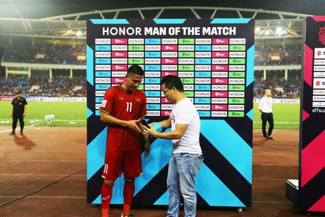 Viet Nam 2 - 0 Malaysia: Chien thang cua loi choi phong ngu chu dong hinh anh 4