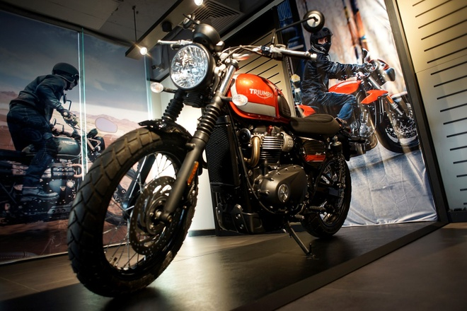 Triumph Motorcycles ra mat dai ly chinh hang tai Ha Noi hinh anh 5