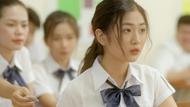 MV họp lớp của Trung Quân và Tiên Cookie gây sốt dịp 20/11