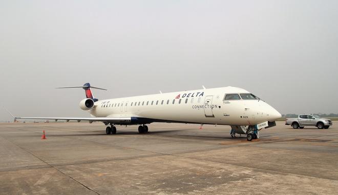 Vietnam Airlines tham gia thu nghiem tau bay CRJ900 Bombardier hinh anh