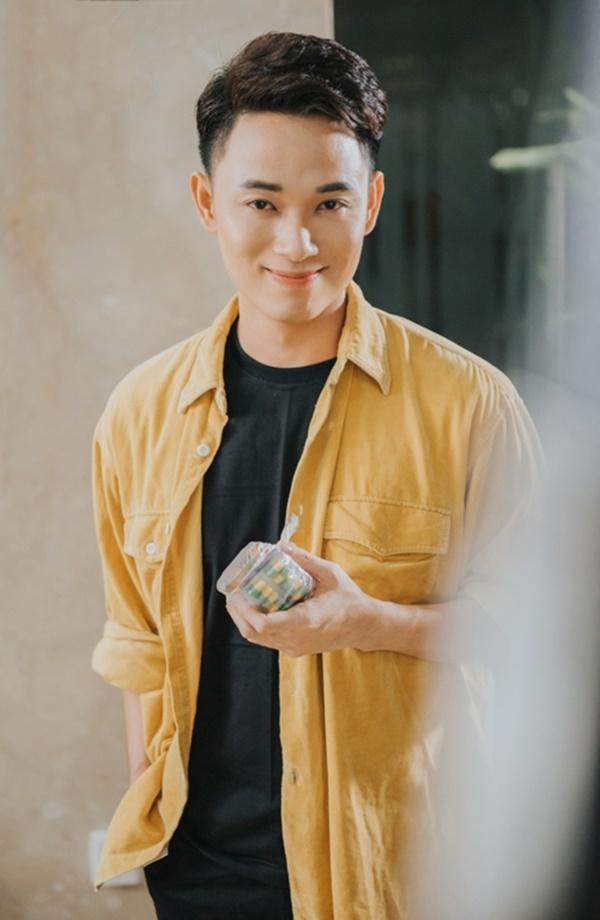 Suni, Truc Nhan va Karik dong loat tung MV khien dan mang to mo hinh anh 4