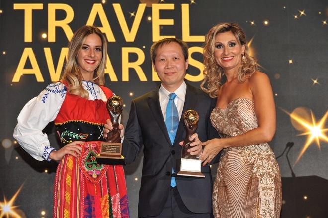 Vietnam Airlines nhan 2 giai thuong tai World Travel Awards 2018 hinh anh