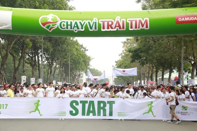 'Chay vi trai tim 2018' - chuong trinh y nghia ho tro tre em hinh anh 1