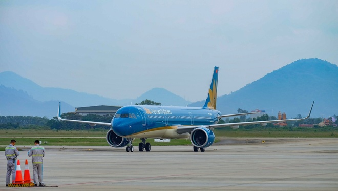 Vietnam Airlines mo duong bay TP.HCM - Van Don hinh anh 1