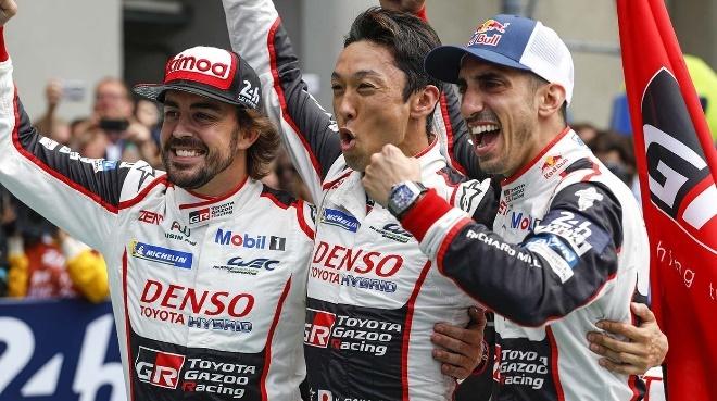 Fernando Alonso va muc tieu chinh phuc 3 giai dua xe huyen thoai hinh anh 4