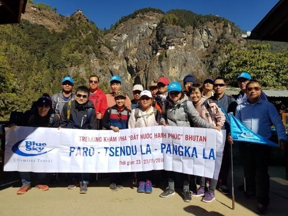 Hang lu hanh Blue Sky tang ve khu hoi cho khach mua tour Nhat Ban hinh anh 3