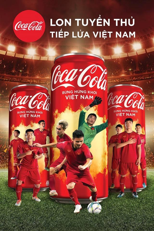 CDV Sai Gon xem ban ket AFF Cup qua man hinh lon tren pho Nguyen Hue hinh anh 9