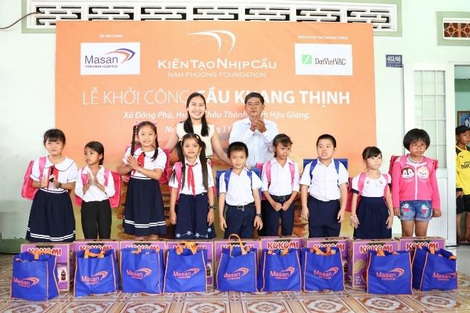 Quy Nam Phuong xay cau be tong dau tien tai Hau Giang hinh anh 5