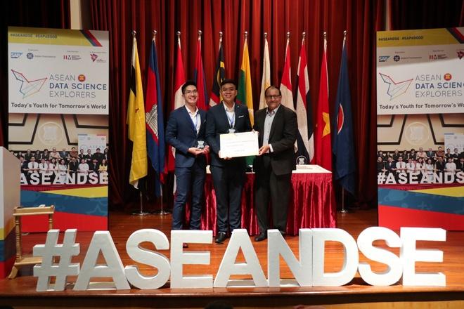 Sinh viên RMIT giành giải ba cuộc thi dữ liệu ASEAN