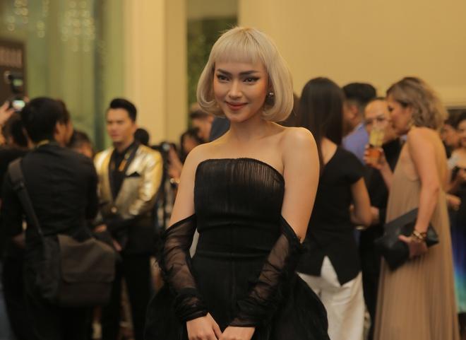 Thanh Hang dien menswear, Chau Bui ca tinh du show thoi trang hinh anh