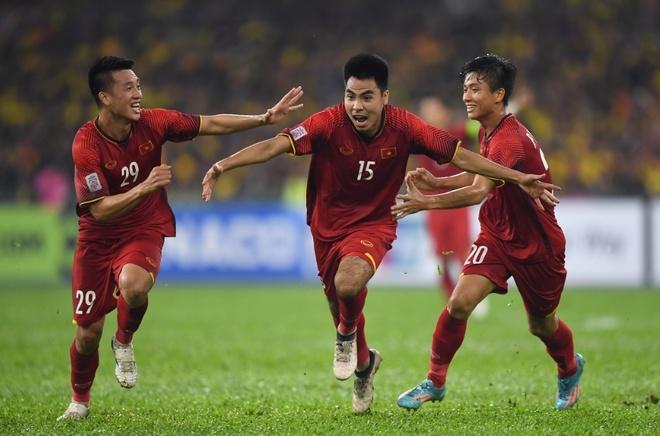 Vo dich AFF Cup, doi tuyen Viet Nam se nhan duoc gi? hinh anh