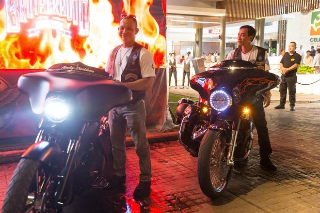Tin do Harley-Davidson 2 mien Nam Bac tu hop hinh anh