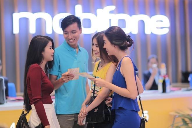 MobiFone hoan 25% gia cuoc cho khach chuyen mang giu so hinh anh