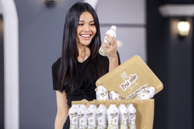 Chuyen gia marketing quoc te lan dau dong hanh cung top 7 The Face hinh anh 6