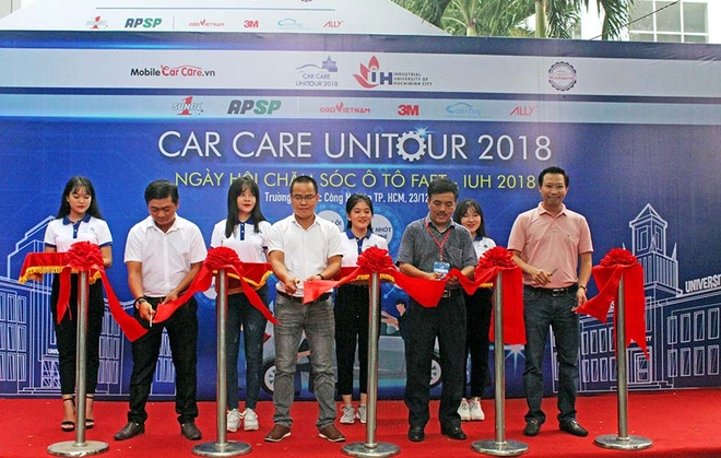 AP Saigon Petro to chuc chuong trinh thay nhot mien phi hinh anh 3