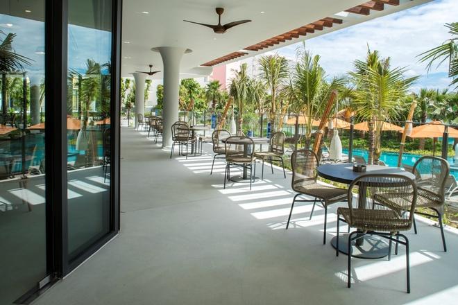 Premier Residences Phu Quoc Emerald Bay uu dai du khach dip nam moi hinh anh 2