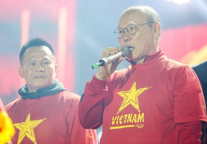 Thay tro HLV Park Hang-seo tham gia dai nhac hoi 'Tu hao Viet Nam' hinh anh 2