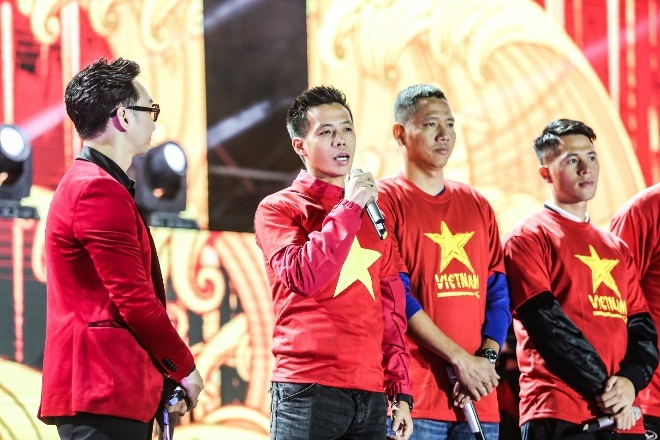 Thay tro HLV Park Hang-seo tham gia dai nhac hoi 'Tu hao Viet Nam' hinh anh 3