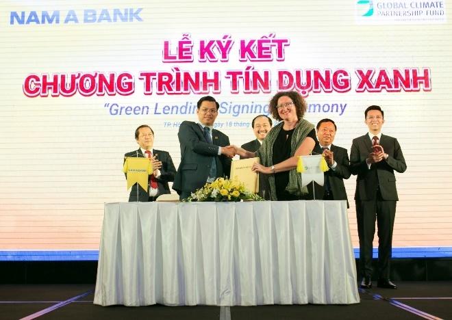 Hoang Thuy tro thanh dai su du an 'Toi chon song xanh' cua Nam A Bank hinh anh 3