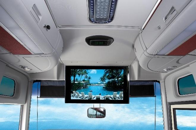 Hyundai Universe anh 5